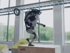 人工智能机器人,能够空翻和跑酷,这操作太帅了|你的菜
